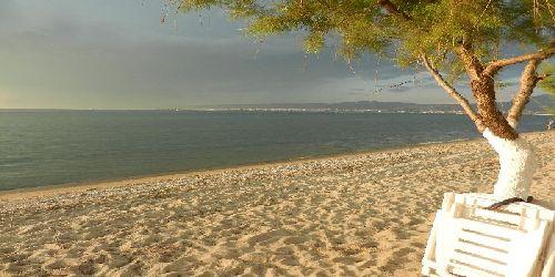 пляж в переи
